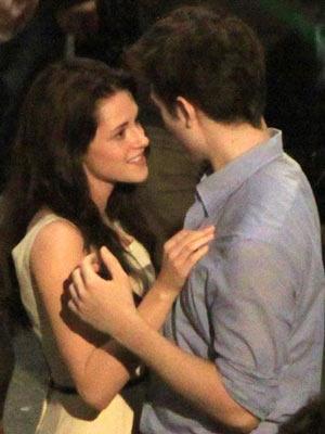 Kristen Stewart asks Robert Pattinson: Will we last after ...
