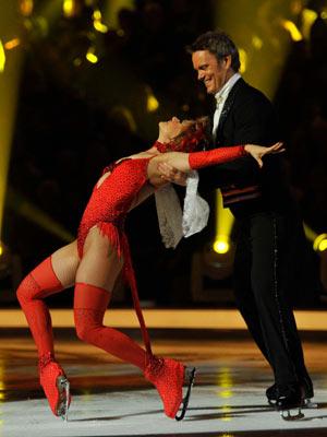 Craig McLachlan   Dancing On Ice - Week 2   TV   Pictures   Now Magazine   Celebrity Gossip