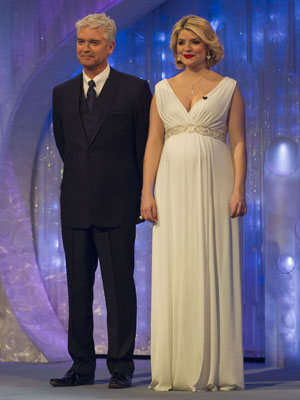 Phillip Schofield and Holly Willoughby | Dancing On Ice Week 11 | Photos | Pictures | Celeb News | New | Now