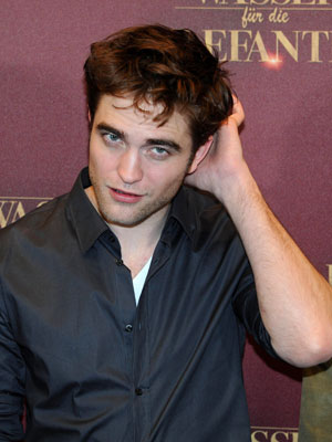 Robert Pattinson | Water For Elephants | Pictures | Photos | New | Now Magazine