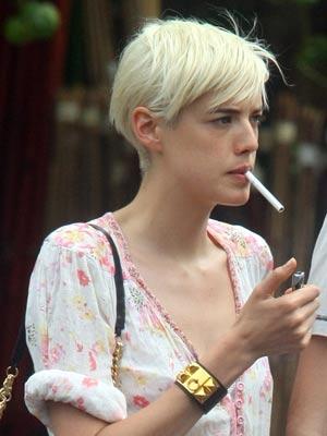 Celebrity smoker: Agyness Deyn