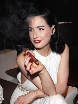 Celebrity smoker: Dita Von Teese