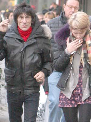 Ronnie Wood & Ekaterina Ivanova | Celebrity Smokers | Pictures | Now Magazine | Celebrity Gossip