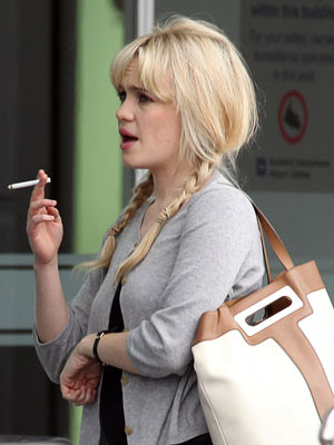 Duffy | Celebrity Smokers | Pictures | Now Magazine | Celebrity Gossip