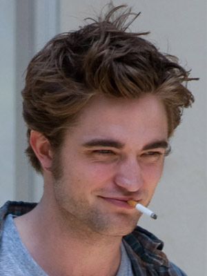 Robert Pattinson | Celebrity Smokers | Pictures | Now Magazine | Celebrity Gossip