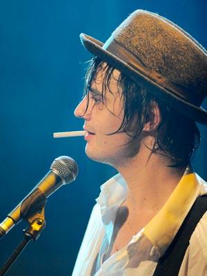 Pete Doherty | Celebrity Smoker | Pictures  | Now | Photos | Celebrity gossip