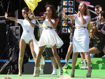 Amelle Berrabah Heidi Range and Jade Ewen | T4 On The Beach | Pictures | Photos | New