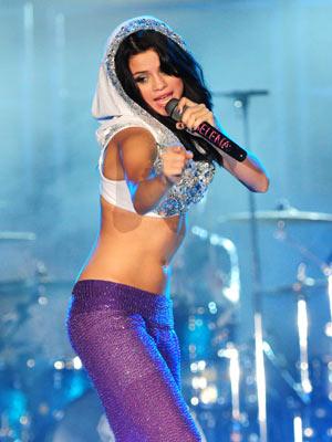 Selena Gomez | Concert in Florida | Pictures | Photos | New