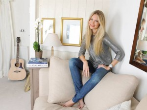 Zoe Hobbs' home | Now Shoot February 2012 | Pictures | Photos | New | Celebrity News