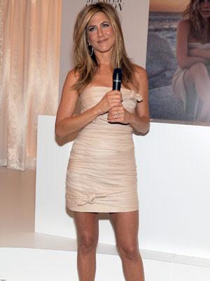 Jennifer Aniston S New Pilates And Vodka Diet Celebsnow