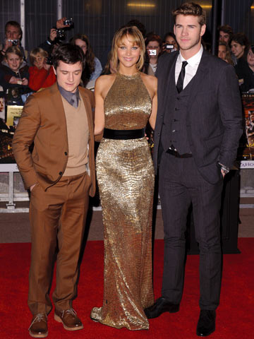 [Image: 00001c849-Josh_Hutcherson_Jennifer_Lawre...sworth.jpg]