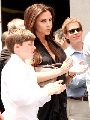 Brooklyn and Victoria Beckham | Hollywood Walk Of Fame | Pictures | Photos | New