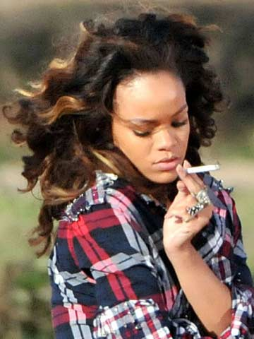 Rihanna | Celebrity Smoker | Pictures | Now | Photos | Celebrity gossip