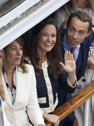 Carole and Pippa Middleton | Jubilee Pageant | Pictures