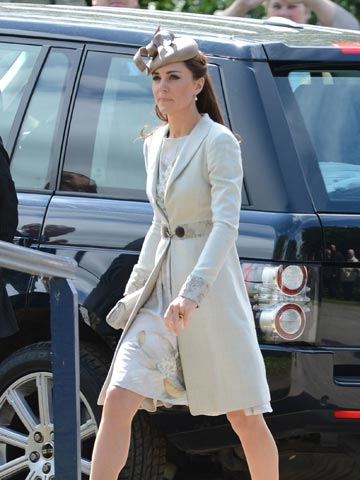 Kate Middleton recycles Jenny Packham dress and Derby hat for the ...