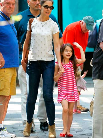 Get Katie Holmes\u0027 zoo visit designer outfit on the high street