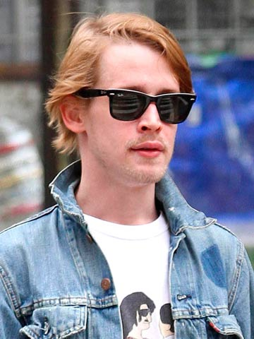 Home Alone Star Macaulay Culkin Denies Ridiculous Claims That He S