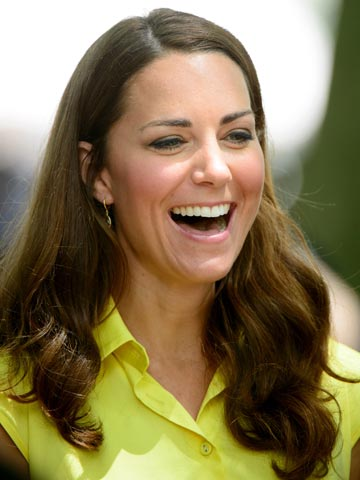 kate middleton battles with frizzy hair on royal trip