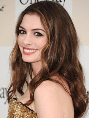 Anne Hathaway | Celebrity hair | Pictures | New styles | Latest | Hair | Now | Photos | Hairstyles