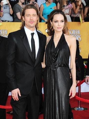 1 3 Angelina Jolie Stays Good Friends