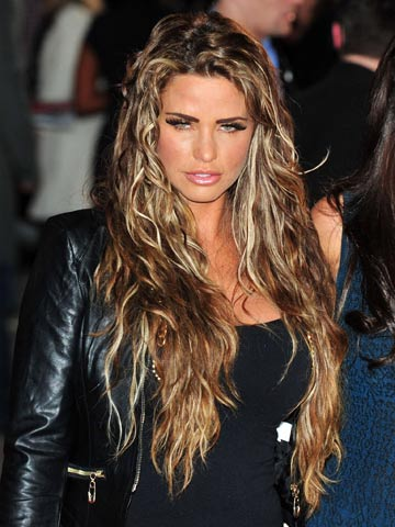Katie Price Sports Extra Long Alpaca Hair Extensions At