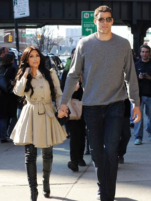1261aa9b560ba2 Kim Kardashian  Quit the Gandhi flip-flops