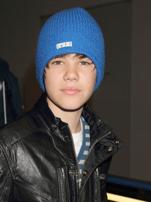 Justin Bieber  Selena Gomez is a sweetheart - CelebsNow ad5665fc0dc