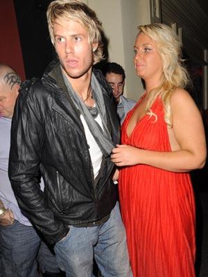 John James Parton and Josie Gibson'| John James Parton and Josie Gibson's romantic night out | pictures | now magazine | celebrity gossip