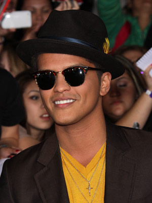 bruno mars dating 2014
