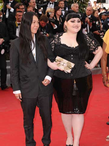 Wedding Joy Beth Ditto Marries Girlfriend Kristen Ogato In Hawaii