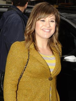 Kelly Clarkson | Celebrity Spy 5-9 November 2011 | Pictures | Photos | New | Celebrity News