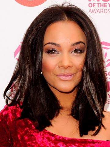 Omg Chelsee Healey Punched In The Head After Night Out At London
