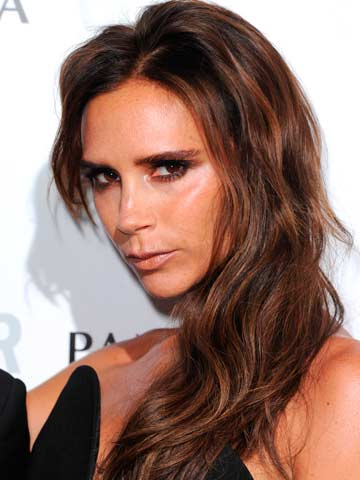 How To Get Victoria Beckham S Grunge Glamour Hairstyle Celebsnow
