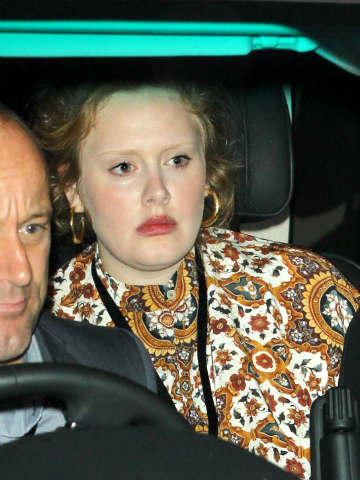Where are your eyebrows, Adele? Singer wears no make-up in ...