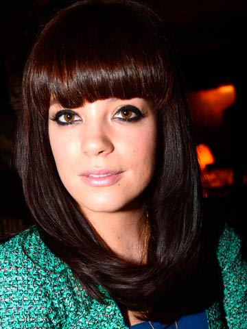 Bored' Lily Allen insults Cheryl Cole fans on Twitter and moans: All ...  Lily Allen