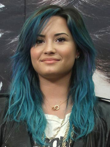 Ready For Halloween Demi Lovato Shows Off New Grungy Blue