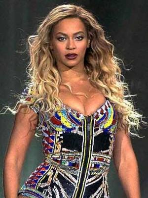 Beyonce knowles boob