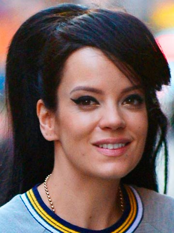 Lily Allen shows off her 'fatty' bum in hot bikini picture after ...  Lily Allen