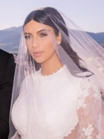 The Kardashians Reminisce About Kim S Nuptials 1 4