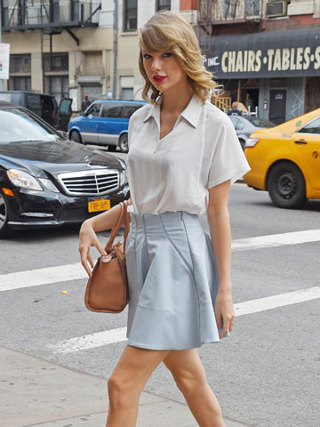 Get Taylor Swift S Pretty Pastel Look With Boohoo S Sweet