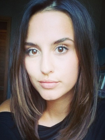 Wow Lucy Watson shows off new short hair in sexy