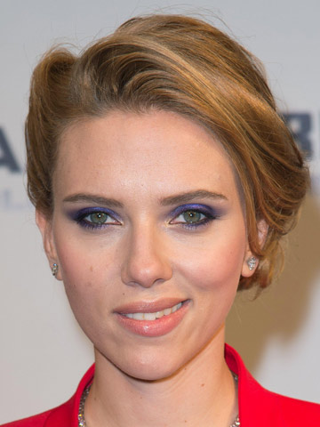 Scarlett Johansson Debuts Edgy New Short Blonde Hair Out In New York