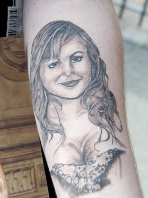 Tina O'Brien tattoo | Now magazine | photos | pictures | celebrity news