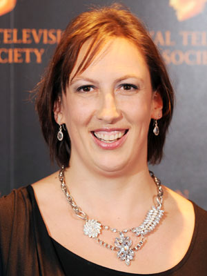 Photo of Miranda Hart and her 2018 alternative make up style, products & tips