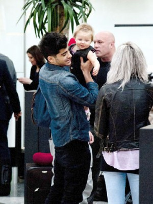 Zayn Malik and baby Lux | One Direction | Heathrow London | Pictures | Photos | New | Celebrity News
