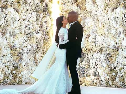 Kim Kardashian and Kanye West wedding | Now magazine | photos | pictures | selfies | Kim Kardashian