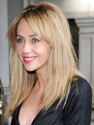 sexy Samia Ghadie