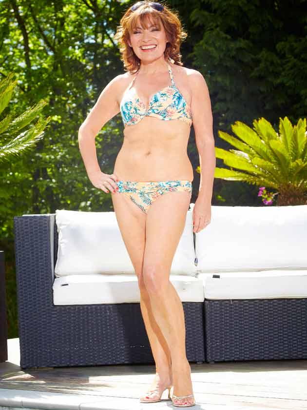 Lorraine Kelly In A Bikini See The Un Photoshopped