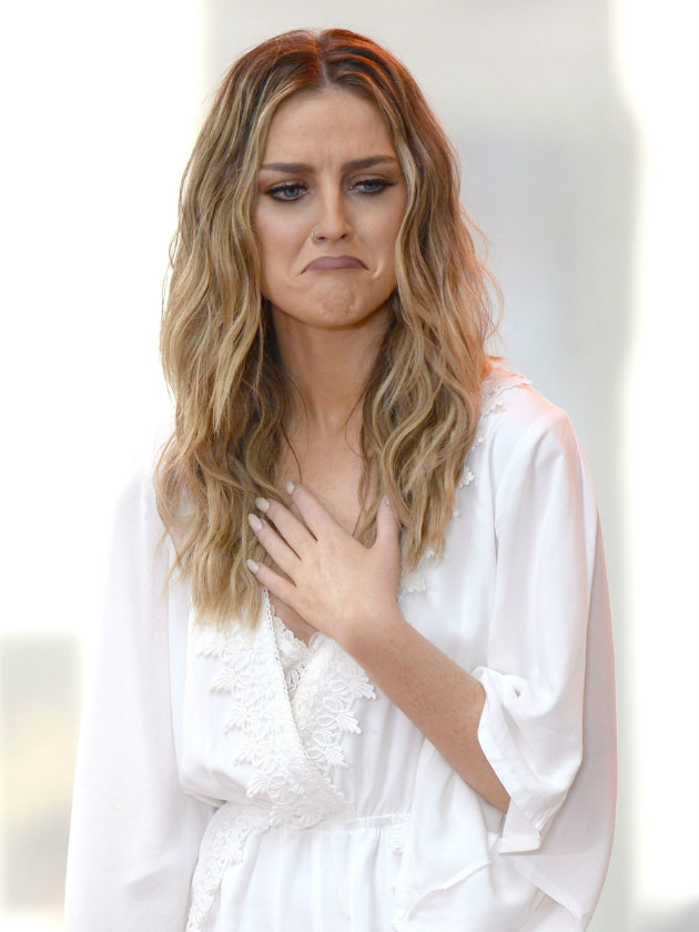 Watch Perrie Edwards Cries On Stage During Emotional