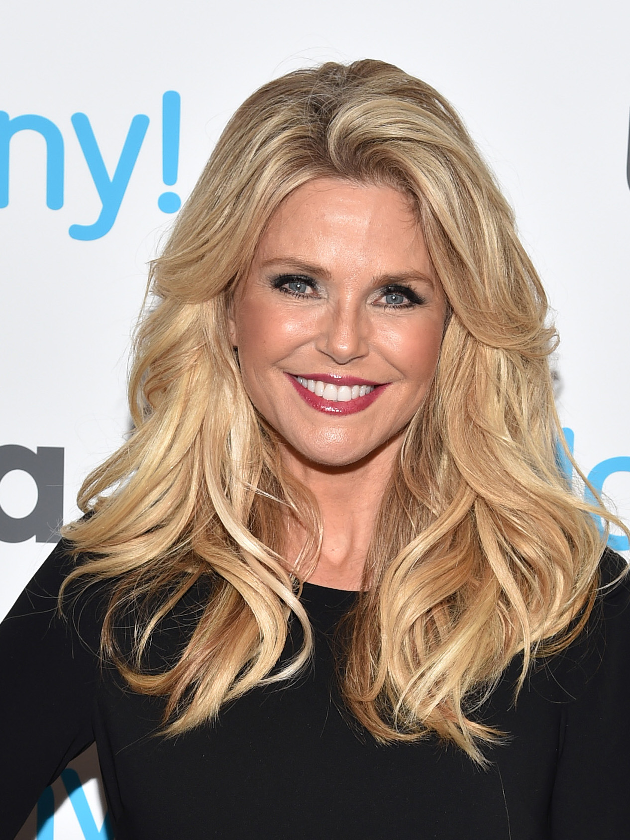 How Old Is Christie Brinkley She Looks Amazing For Her Age